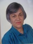 Gabriela Gentiana Groza foto cu albastru