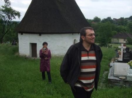 Adrian Pop_cimitir_biserica_veche_Coas_2013