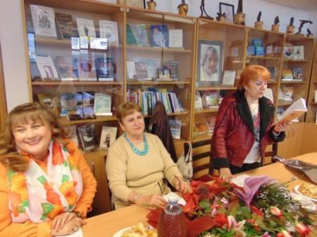 Florica Bud_Rodica Dragomir_Betty Kirchmajer-Donca_cenaclu_21martie2015_11