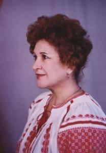 Elena Armenescu in ie