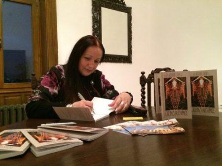 PERSIDA RUGU lansare de carte CENTRUL CULTURAL CASTEL SANCRAI