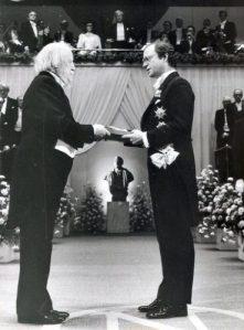 William Golding primind Premiul Nobel