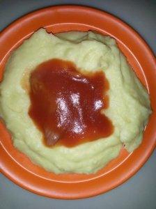 piure de cartofi cu sos de rosii-post_foto_Amza