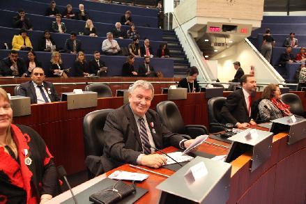 City Hall Toronto_Dumitru Puiu Popescu_in sala