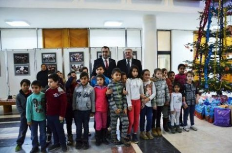 Copiii daruiesc copiilor_Craciun_2017_Baia Mare_1